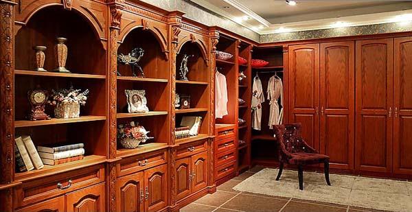 根据客户要求,现场设计各类款式衣柜,书柜,床,衣帽间等板式