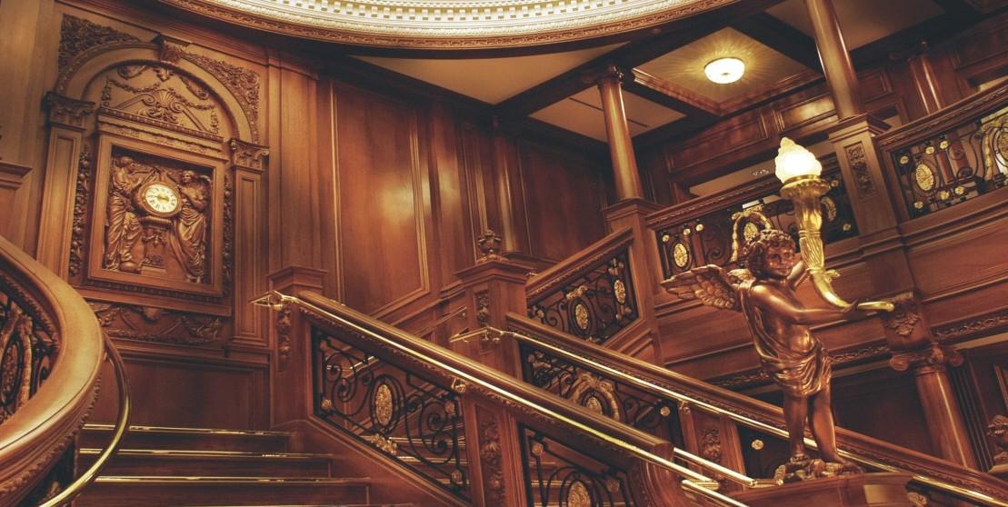 品名:1; 实木护墙板--百年明牌地板 地板 木门 楼梯 壁纸; 福州闽福来