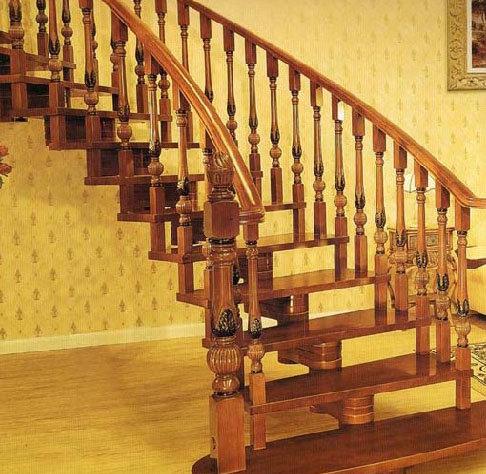 欧式楼梯下门板