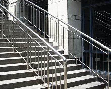 不锈钢楼梯栏杆价格_农村不锈钢楼梯扶手图,家用楼梯扶手,不锈钢楼梯扶手做法_大 ...