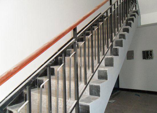 暂无说明  详细说明 大多数的使用要求是长期保持建筑物的原有