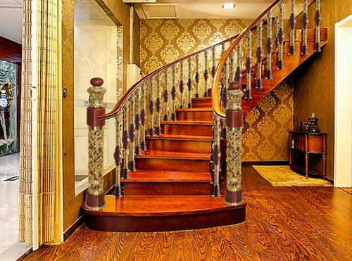在楼梯间嘿休