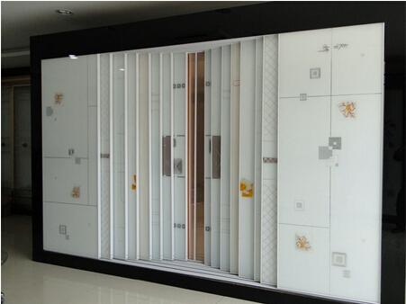 白色欧式线框推拉木门衣柜