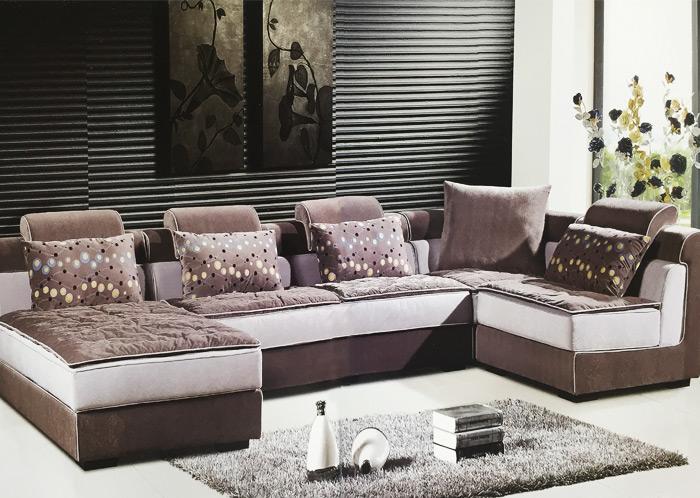 布料一般手感柔软,图案丰富,因而此类沙发便具有线条圆润,坐臣自如,造
