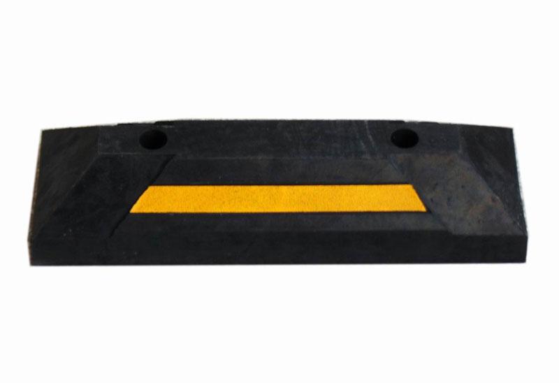车轮定位器安装在各停车场,以避免在车辆停车时发生车辆之间,车辆与