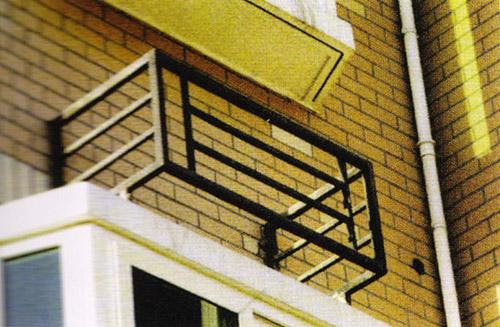 豪华铁艺木板楼梯