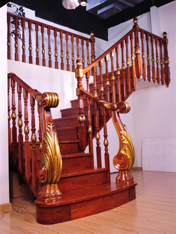 三跑楼梯装修效果图