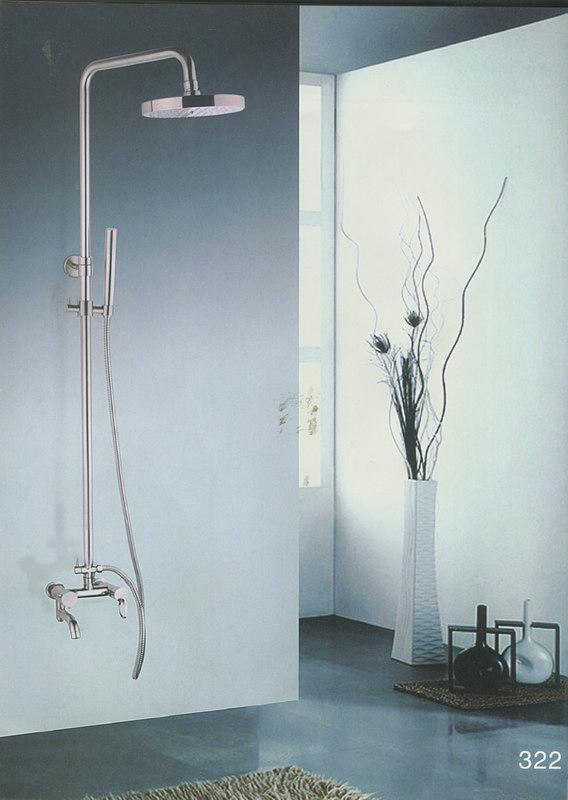 一,圆弧淋浴杆安装方便 回归传统的圆弧淋浴杆,使用起来非常方便.