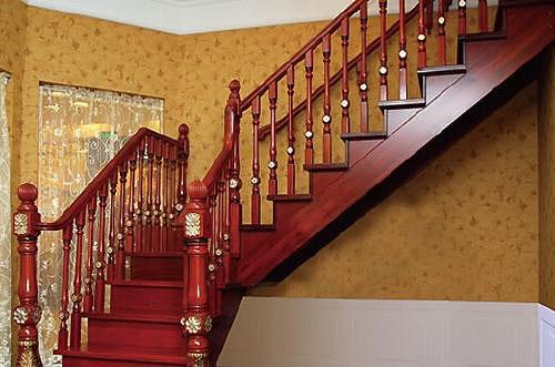 实木楼梯安装有讲究!|