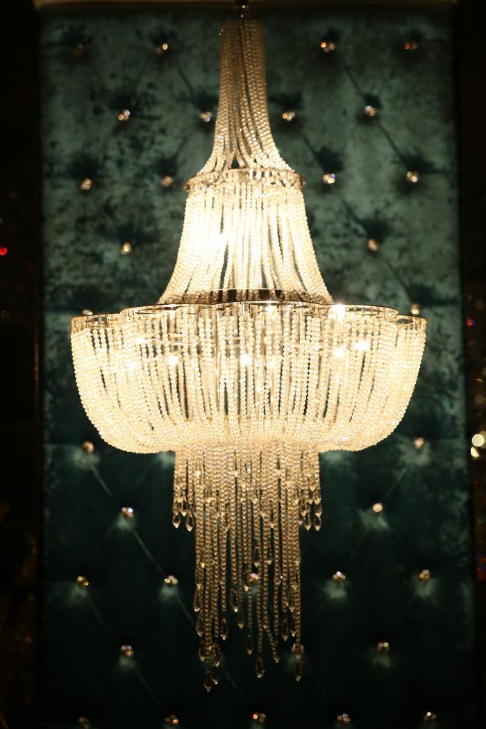 欧式烛台吊灯,中式吊灯,水晶吊灯,羊皮纸吊灯,时尚吊灯,锥形罩花灯,尖