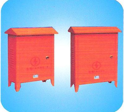 对于配电变压器容量在100kv·a及以上的配电箱体,在箱内散热窗靠侧壁