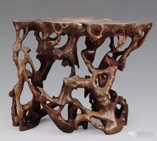 """西安木雕厂家:""""木雕""""与""""根雕""""的区别,你知道吗?"""