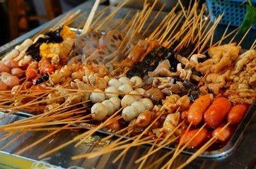 麻辣烫,串串香,海鲜烫,味道好坏关键在于涮烫底料的配制.